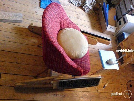1209652630_geek_chair_5.jpg