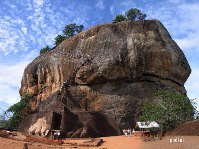 Скала Сигирия в Шри-Ланке