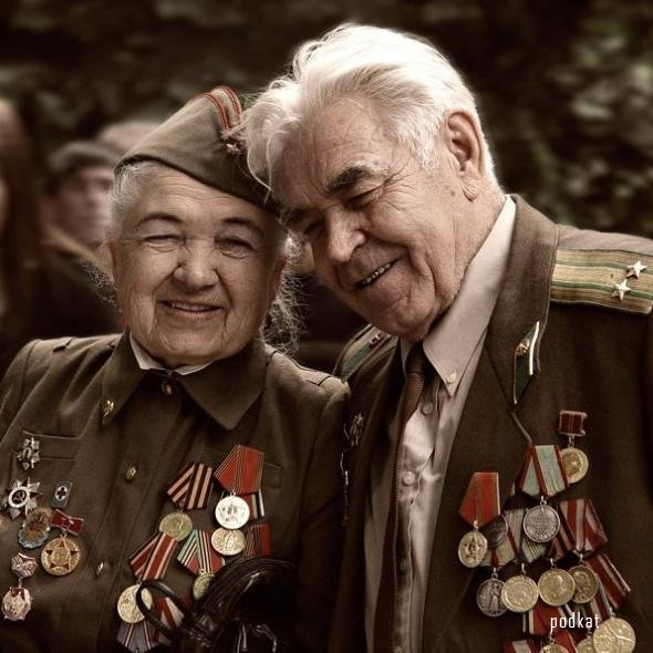 Ветерану устроили овацию в метро