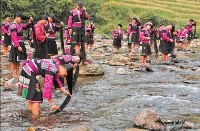 длинноволосые девушки из китайской деревни Хуанло